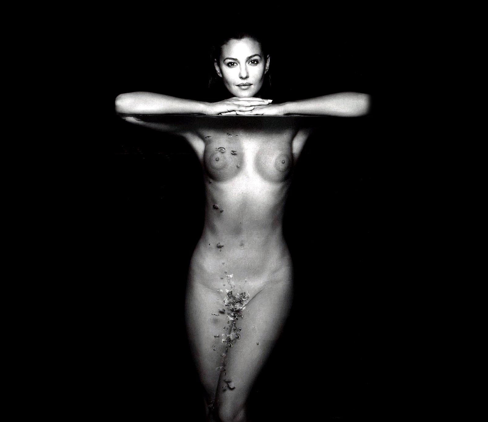 Naked pictures of monica bellucci